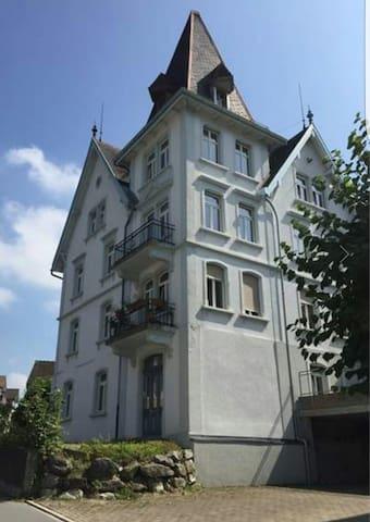 Helles Zimmer in Jugendstilhaus - Herisau - Departamento