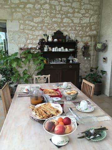 Chambre hôte propriété  viticole - Pineuilh - Konukevi