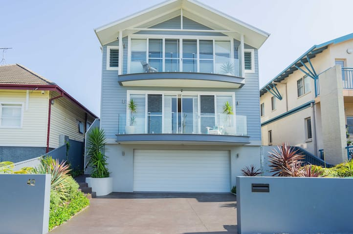 Sydney Beach house 100m from the beach, max 9 pers - Malabar - Huis
