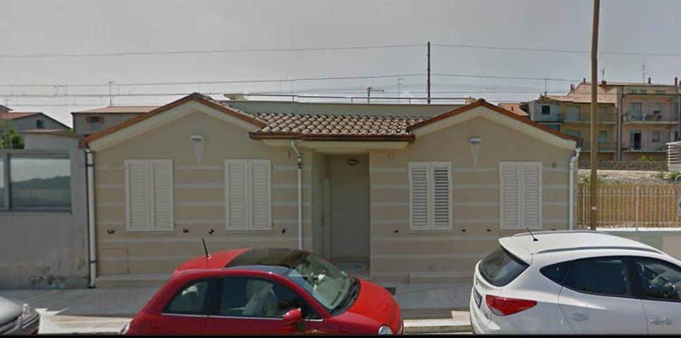 APPARTAMENTO FRONTE MARE - B - Civitanova Marche - Appartement