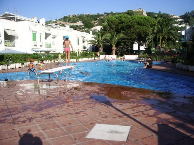 Michel House with Pool on the beach - Rodia - Квартира
