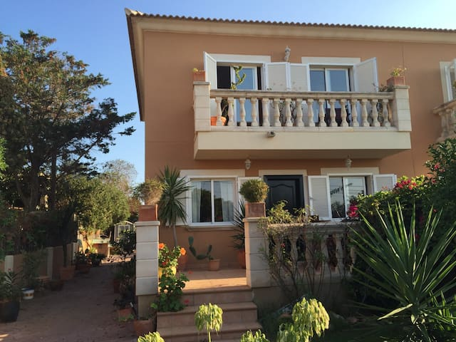 Ensuite Double Bedroom, with private balcony - Badia Gran - Maison