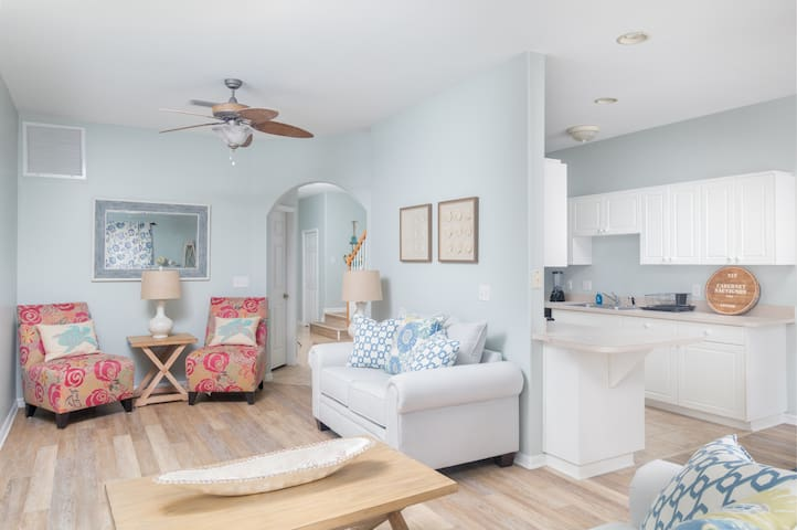 Seaside Escape at Cocoa Beach! 3B/2.5Bath - Cocoa Beach - Reihenhaus