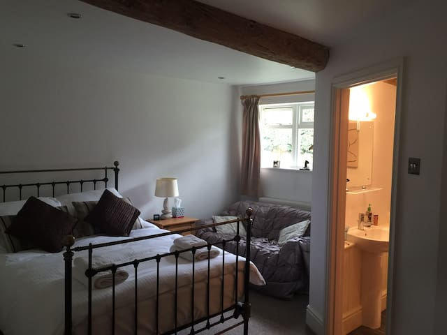 Spacious 1 Bed Barn Apartment, over 2 floors - Leicestershire - Appartement