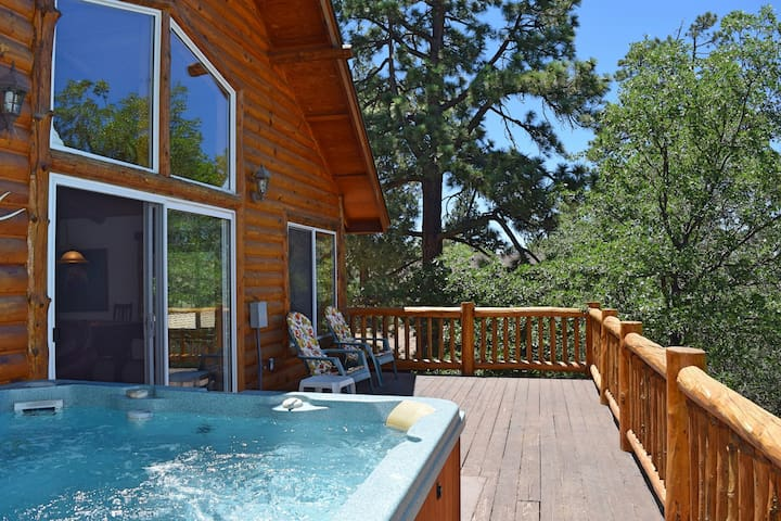 Autumn Bliss: Hot Tub! Slope VIews! Pool Table! - Big Bear - Appartement