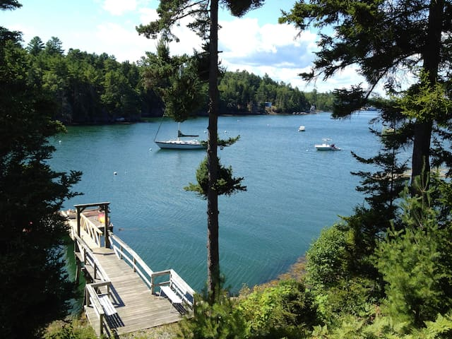 Private tranquil waterfront  home - Boothbay - Casa