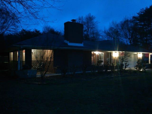 The Ponderosa - Accokeek - Huis