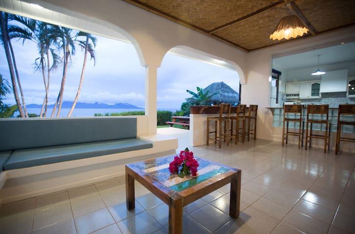 Villa Tahiti Nui - Tahiti - vue Moorea - piscine - Puna'auia - Appartement