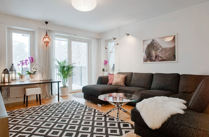 New, comfortable apartment south of the city - Stockholm - Apartemen