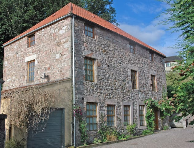 The Old Mill B&B, Farne room - Wooler