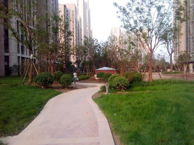高层舒适主卧,有阳台,采光极佳,有暖气 - Zhengzhou - อพาร์ทเมนท์