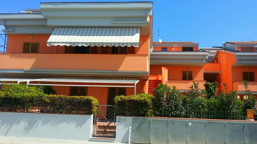 Miniappartamento a 50 mt dal mare - Marcelli - Appartement