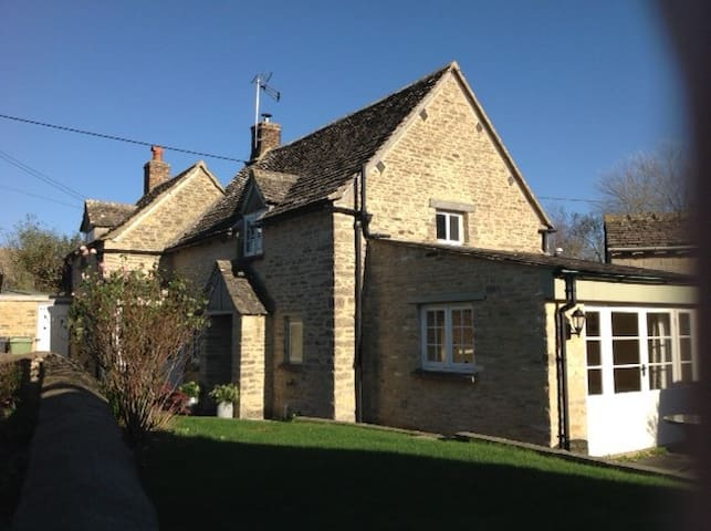 Grove House, Quenington - Quenington - Ev