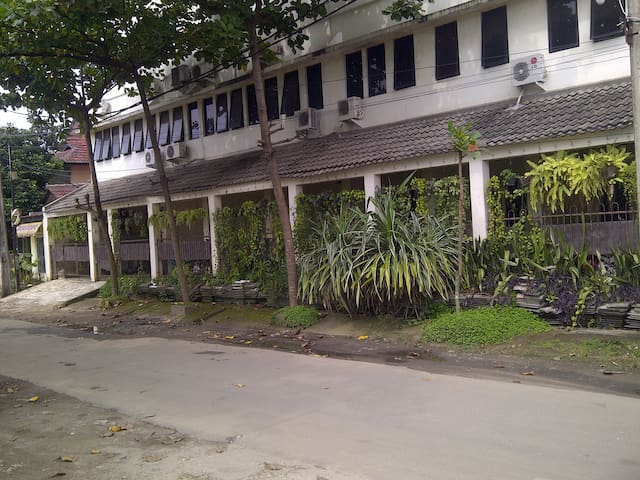 KOST PAMULANG  HOSTEL - cozy, comfort & secure - Pamulang - Hostel