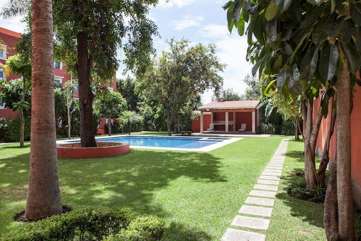 Sunny Condo Downtown Cuernavaca - Cuernavaca - Appartement