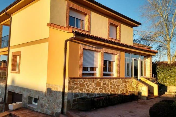 Ático privado en Segovia - La Lastrilla - Hus