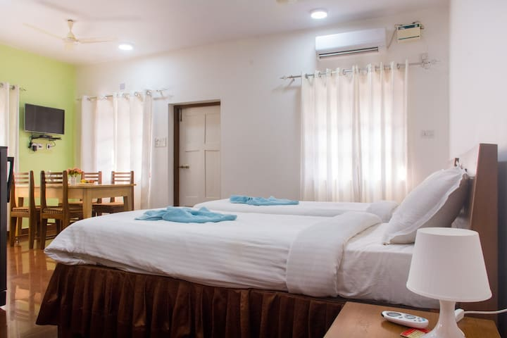 8 -Holy Cross Home Stay's - Studio Apartment Goa. - North Goa