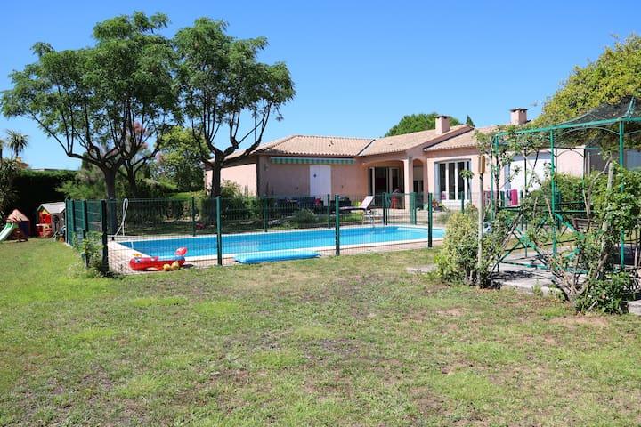 Maison Villa dans le sud de la France, 160 m2 - Lignan-sur-Orb - Casa