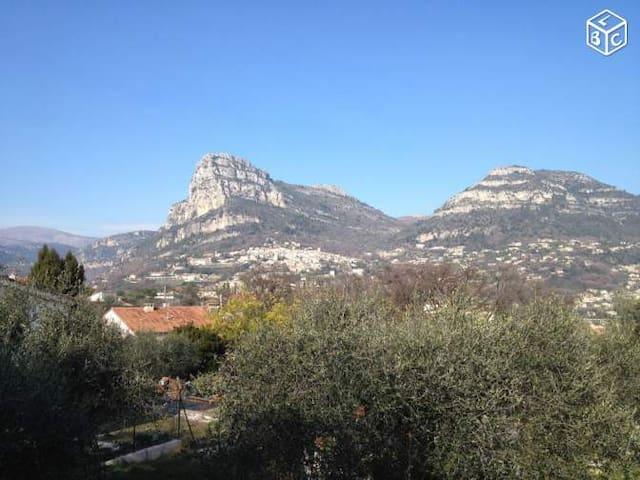 APPART ENTRE MER ET MONTAGNE - La Gaude
