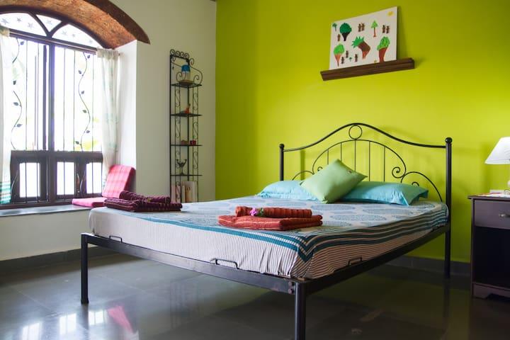 Simply Homestay - Ruk Room - Benaulim - Bed & Breakfast