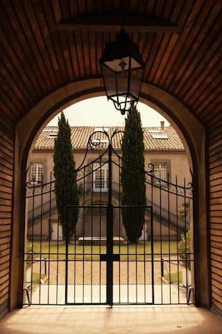 Spacious 3 Bdrm with Large Terraces, Pool & Sauna - La Redorte - Appartement