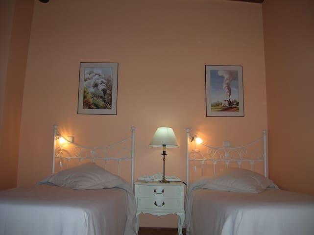 Hotel, bar-restaurante,Hab.14 - Miranda de Arga - Bed & Breakfast