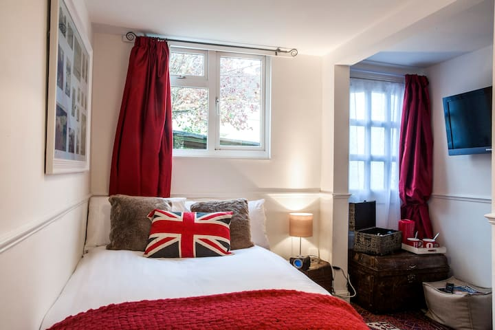 Cosy Ensuite Accommodation - Topsham - Bed & Breakfast