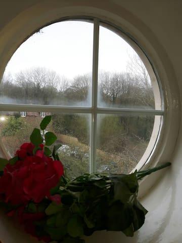 Ensuite Double: Lovely 1760 Chapel - Lightmoor - Huis