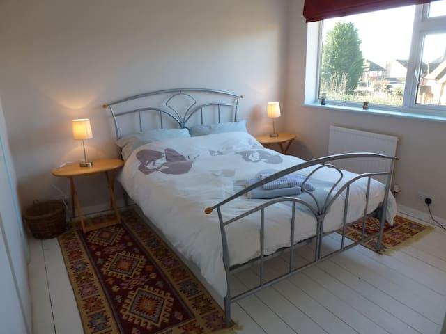 Cosy and quiet room in Amersham - Amersham - Hus