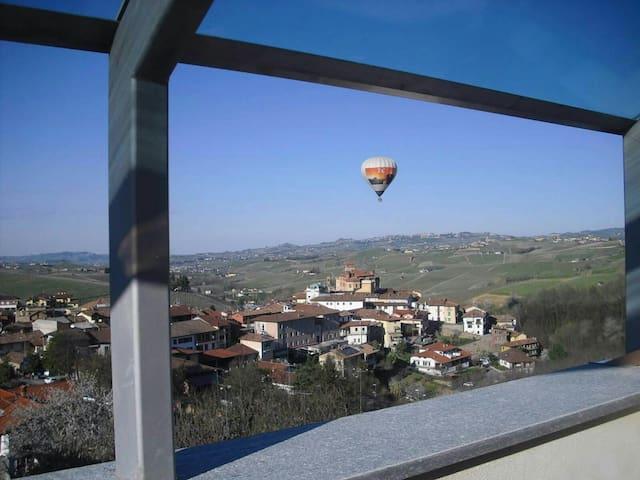 Via Einaudi 1, appartamento con vista a Barolo - Barolo - Lägenhet