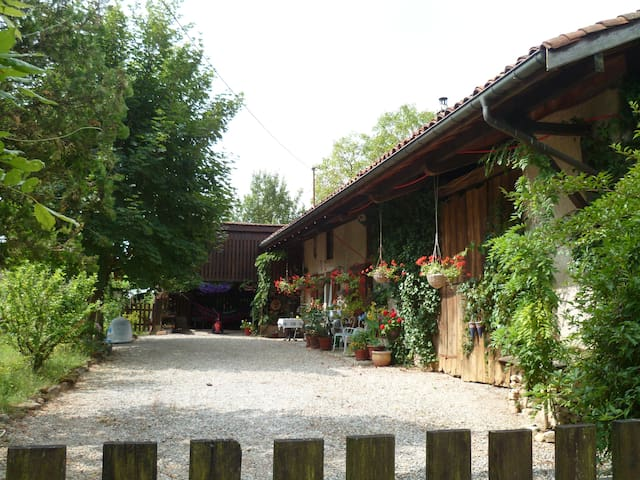 Norah'sTimeout-Point - Relaxing Oasis - Les Trois-Châteaux - Bed & Breakfast