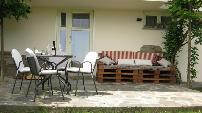 Guest House Cannubi - Barolo - Hus