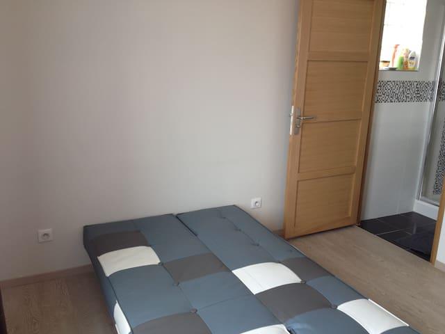 Chambre dans une villa neuve - Limay - Villa