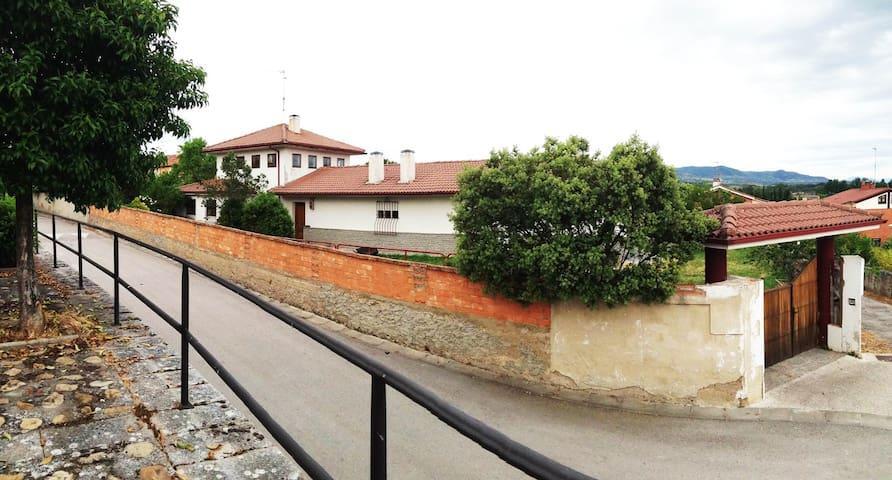 Habitaciones privadas en Chalet - Medina de Pomar