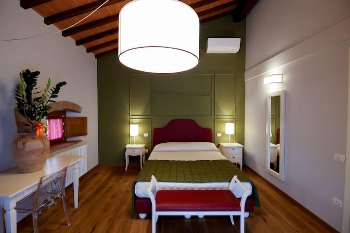 Hs4U Villa Casanova, Suite Granaio - San Vincenzo A Torri - Bed & Breakfast