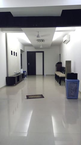 2nd floor Apartment No Elevator!!!! - Navi Mumbai - Appartement