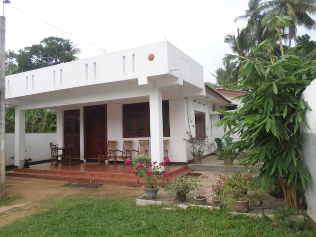Punchi Holiday Resort / Kelaniya - Peliyagoda