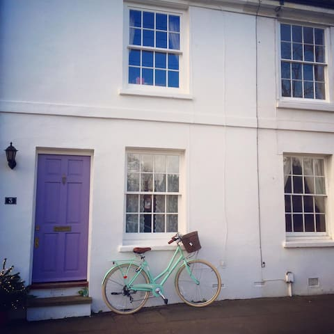 Cosy cottage in town centre - Tonbridge - Bed & Breakfast