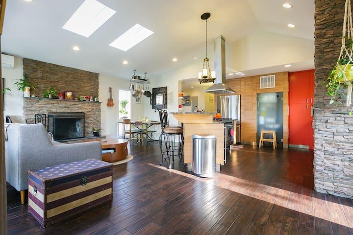 Cozy Modern Beach House - Long Beach - Huis