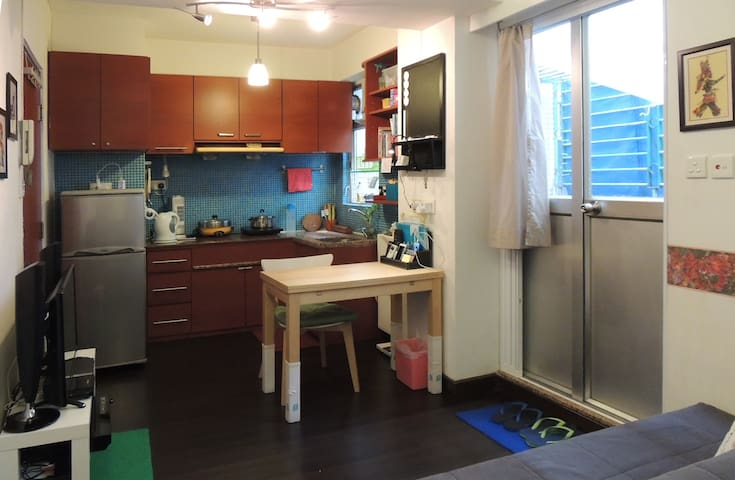 Studio Flat with a Patio - Kowloon City