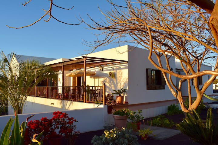 Villa Lava - Yaiza - Huis
