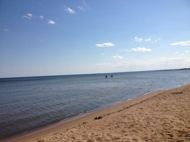 Fishery Pointe Beach Cottages #5 - Escanaba