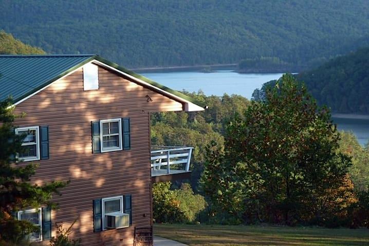Lakeview Lodge on Lake Moomaw - Covington - Rumah
