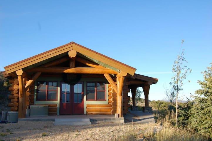 Family Log Cabin on 60 Acres - Coalville - Cabaña