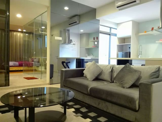 Designer Suite with Wifi ,LRT at Petaling Jaya - Petaling Jaya - Apartemen