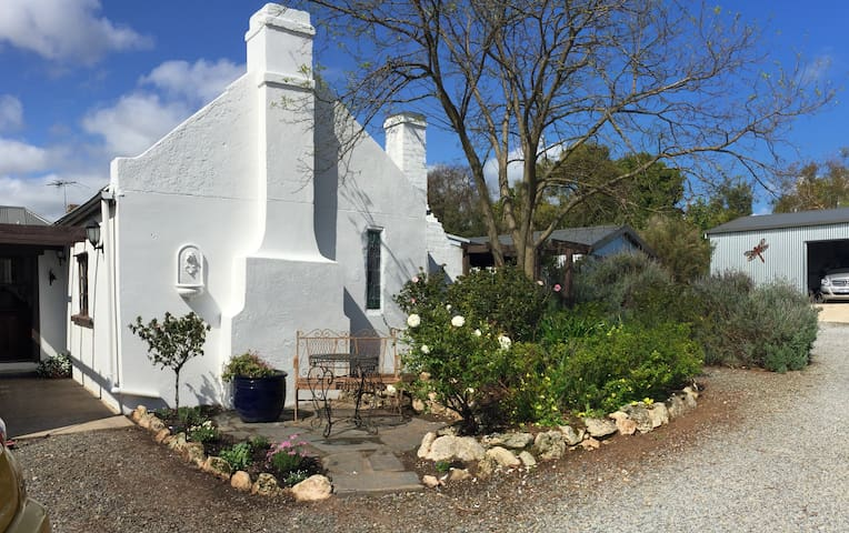 The Moscato Cottage - McLaren Vale - Bed & Breakfast