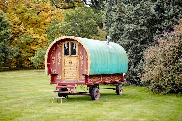 Cozy bow top wagon - Edenhall - Lägenhet
