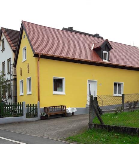 Antik, hell, stilvoll - EG - FeWohnung Bamberg/Bug - Bamberg