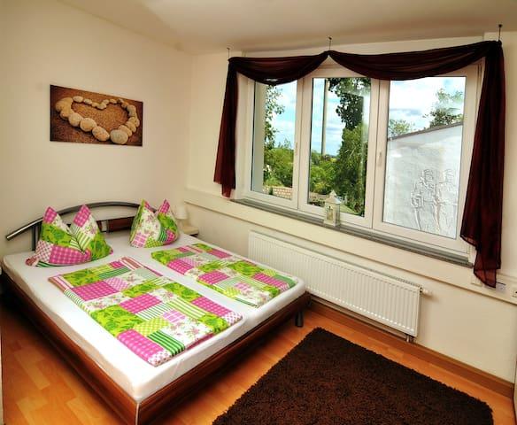 Gästezimmer in Hartha Sachsen mit TV / DU / WC - Hartha