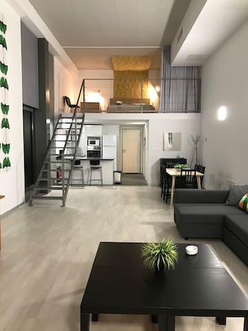 Amazing loft, with private parking & swimmingpol - València - Çatı Katı
